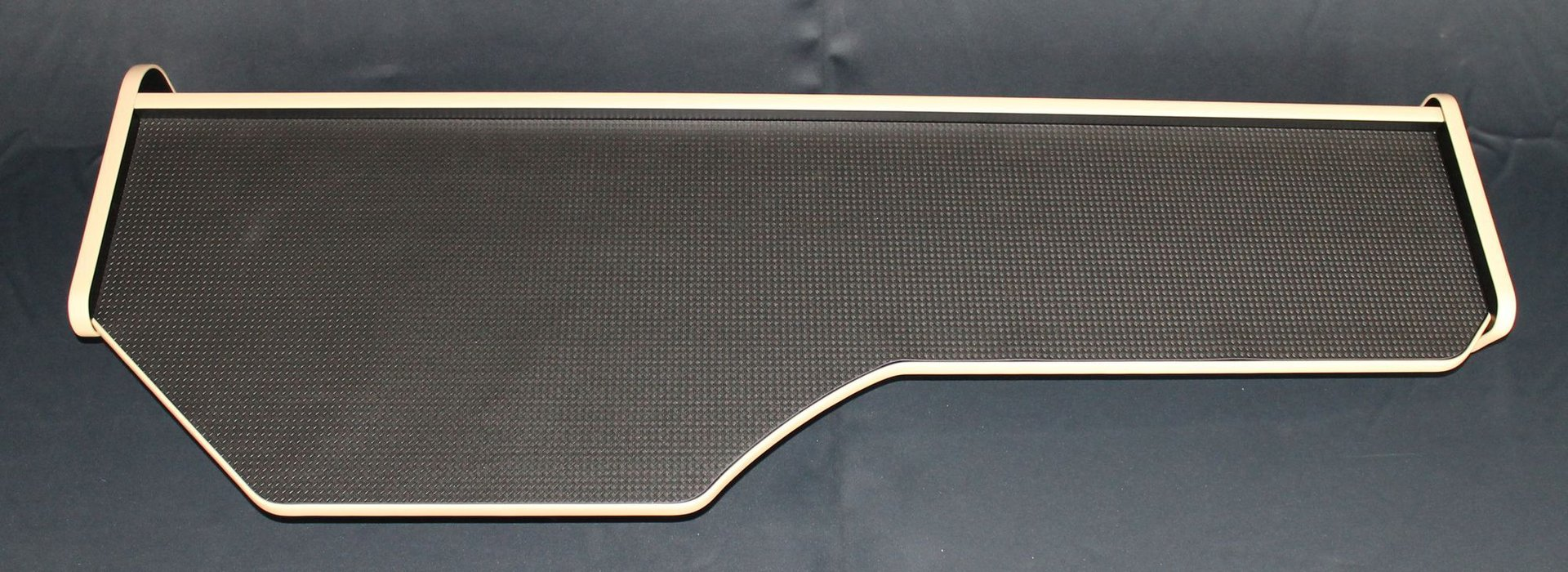 lkw tisch passend daf xf euro 6 kanten beige mit abe kaufen. Black Bedroom Furniture Sets. Home Design Ideas