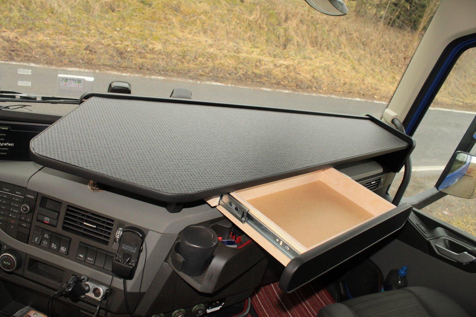 lkw tisch mit auszug passend volvo fh4 durchgehend und. Black Bedroom Furniture Sets. Home Design Ideas